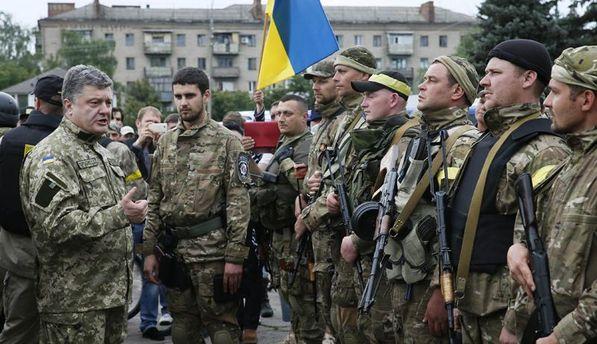 Петр Порошенко с военными