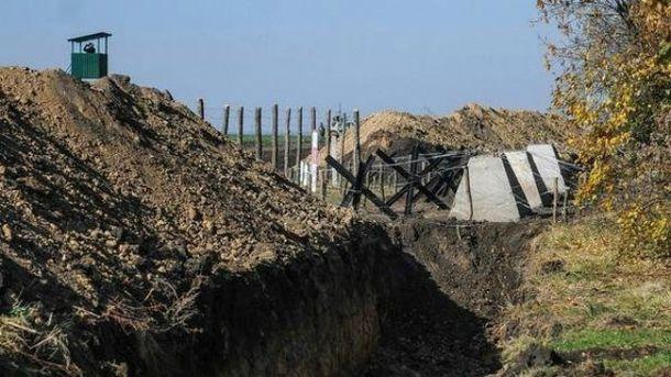 На Донеччині побудують більше 200 фортець