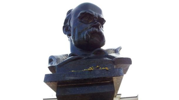 Пам'ятник Шевченку у Сімферополі