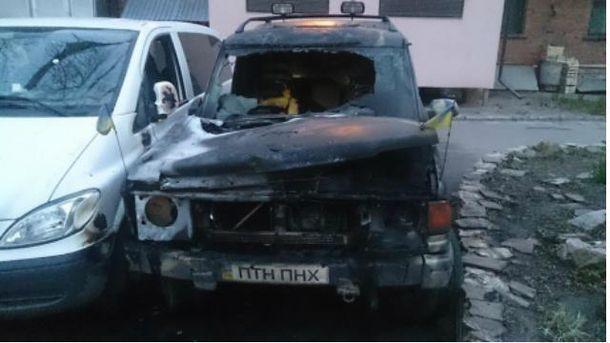 Спалили авто активістів