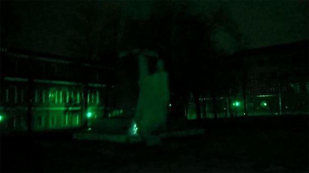 Падіння пам'ятника