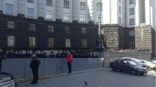 У дворі Кабміну кілька сотень правоохоронців