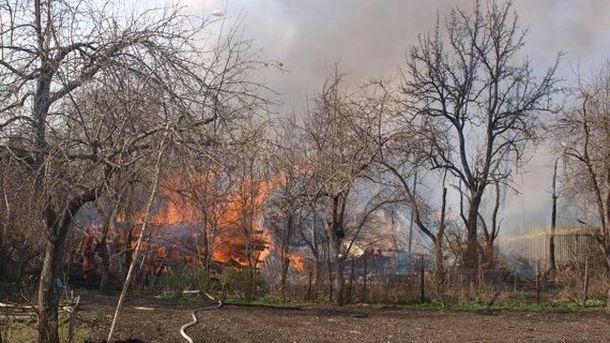 Пожежа після вибуху складу піротехніки