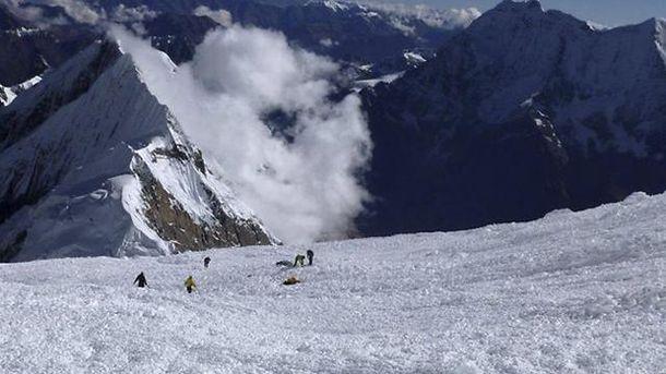 Лавина в Гималаях