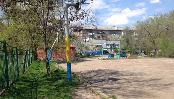 Детская площадка в Донецке