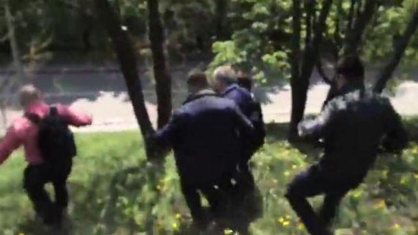 Симоненко убегает