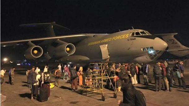 Українців евакуювали з Непалу