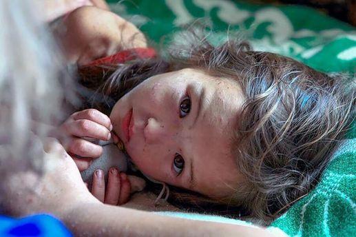 Девочка, выжившая после 11-дневного пребывания в сибирском лесу