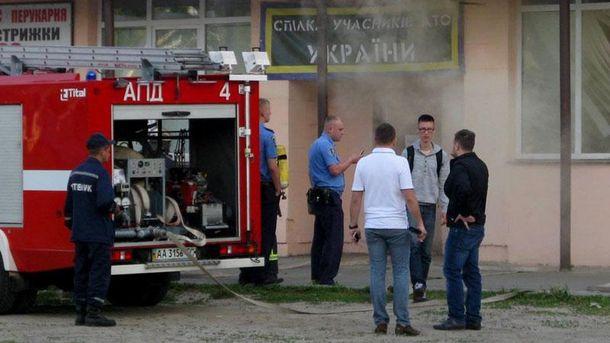 В Киеве злоумышленники подожгли офис волонтеров
