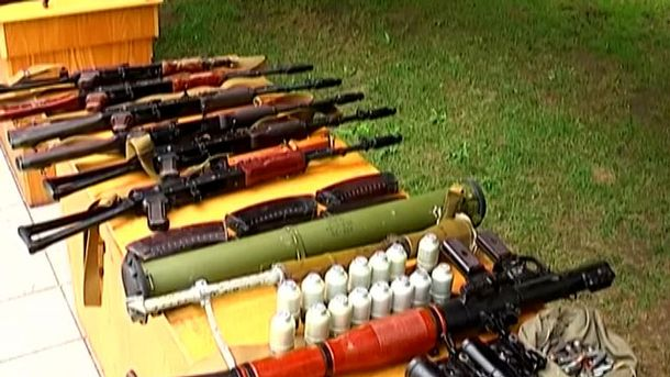 Полтавчанин ховав наркотики і арсенал зброї у човнах