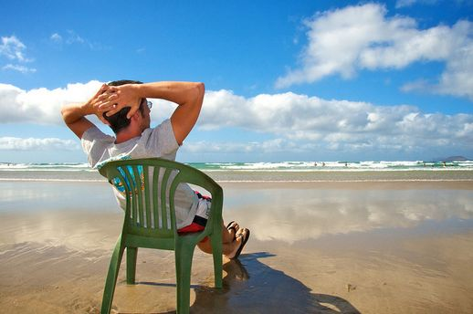 Мужчина на пляже