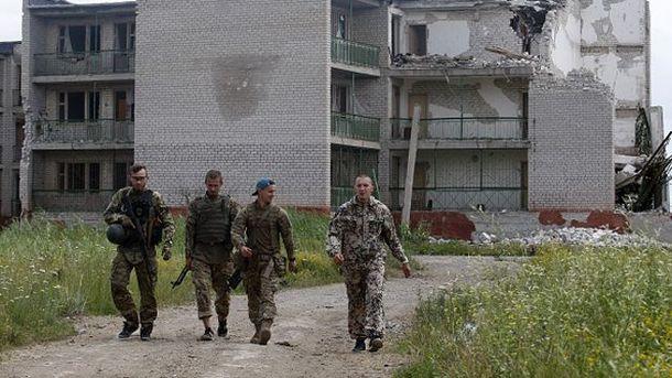 Украинские бойцы в Широкино