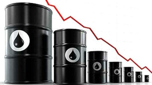 Ціна на нафту  падає