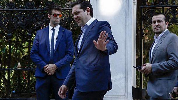 Премьер-министр Греции Алексис Ципрас (посередине)
