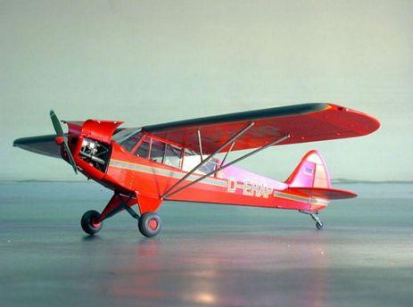Самолет Piper PA18