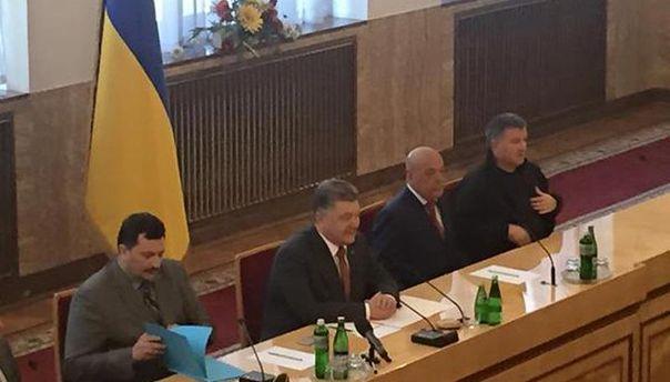 Нарада Петра Порошенка в Ужгороді