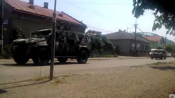 Військова техніка біля Мукачевого