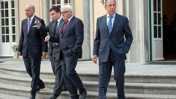 Лоран Фабиус, Павел Климкин, Франк-Вальтер Штайнмайер и Сергей Лавров