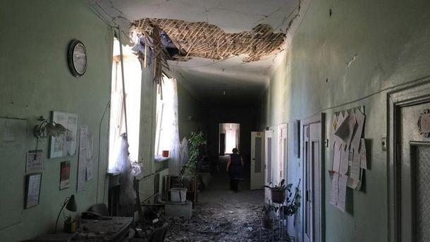 Наслідки обстрілу лікарні в Донецьку