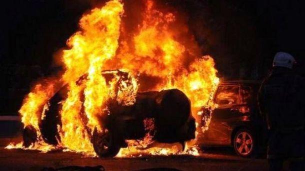 У Харкові спалили авто