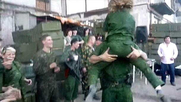 Сумасшедшие танцы боевиков