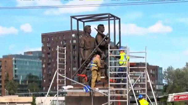 Демонтаж пам'ятників у Вільнюсі