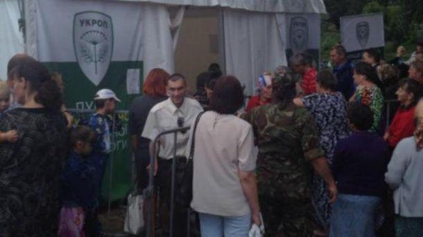 На що готові люди в Чернігові заради безкоштовної гречки
