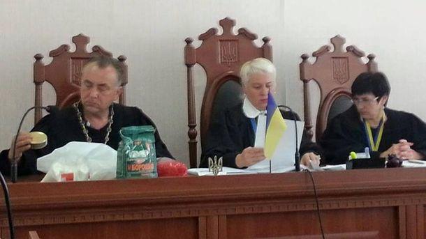 Фото із залу суду