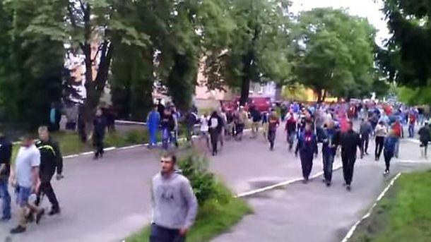 Шествие к райотделу в Дубровице