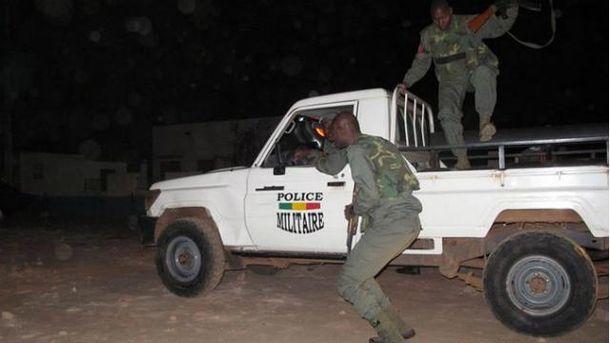 Стали известны новые подробности жестокого нападения на отель в Мали