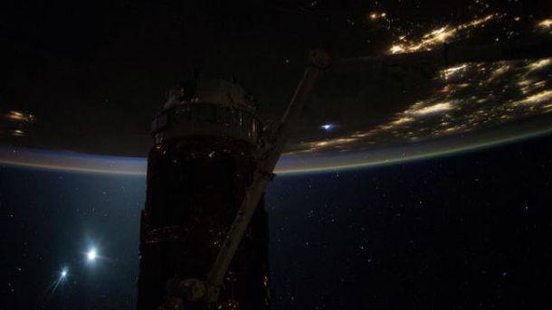 Рассвет из космоса