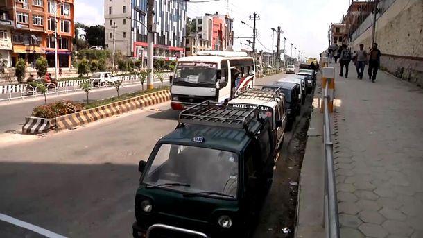 Автомобілі у Непалі