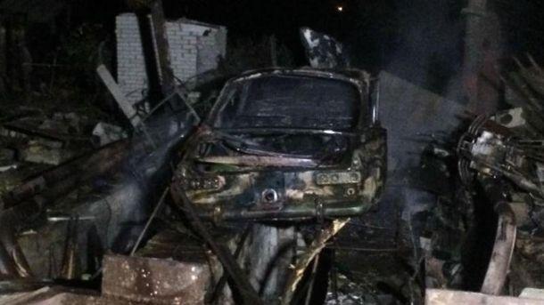З'явилися моторошні фото з місця вибуху під Києвом