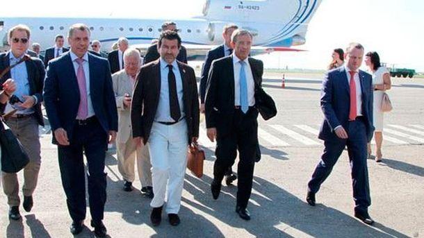 Французького політика відсторонили від посади через несанкціонований візит вКрим