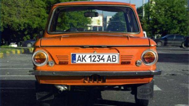 Российские оккупанты взялись за водителей с украинскими номерами