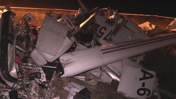 Літак розбився на друзки: відео авіакатастрофи в Криму