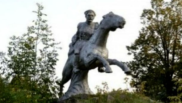 Пам'ятник Чапаєву