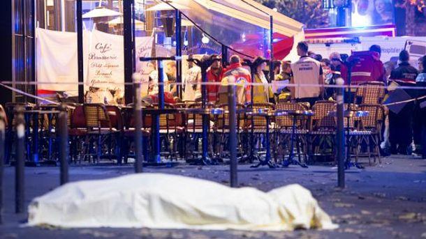 Среди погибших в терактах в Париже были иностранцы