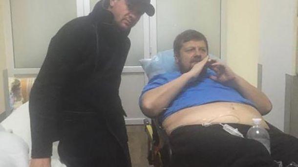 Мосийчука перевезли в институт Шалимова, однако судебное заседание продолжается