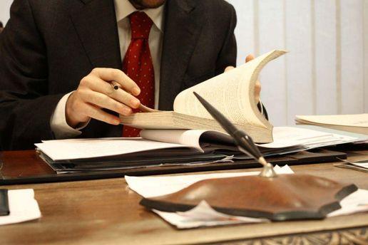 В кабинете у юриста