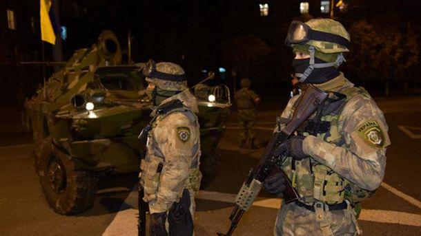 Поліцейський патруль в Маріуполі