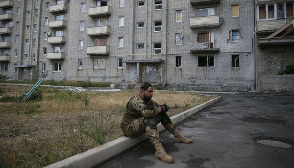 За ніч українських військових обстріляли 10 разів