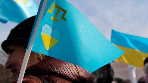 Крымских татар сгоняют на митинг