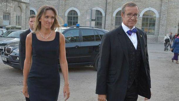 61-річний президент Естонії заручився зчиновницею Міноборони