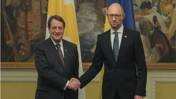 Україна звернулася до Кіпру зпроханням про допомогу врозшуку корупціонерів