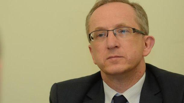 Доля звіту про безвізовий режим з'ясується після візиту Порошенка доБрюсселя,— дипломат