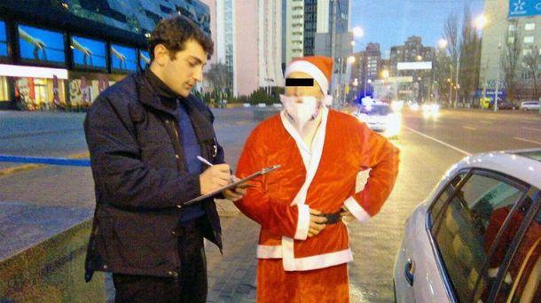 Поліція затримала Діда Мороза
