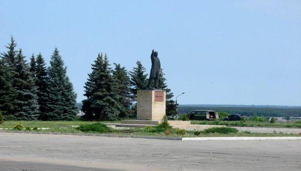 Під Харковом знесли черговий пам'ятник Леніну