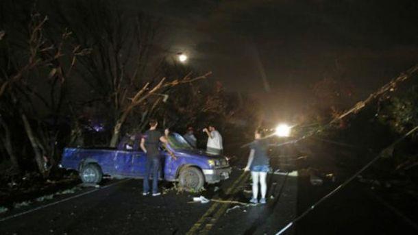 Південь США накрили урагани і торнадо, є жертви