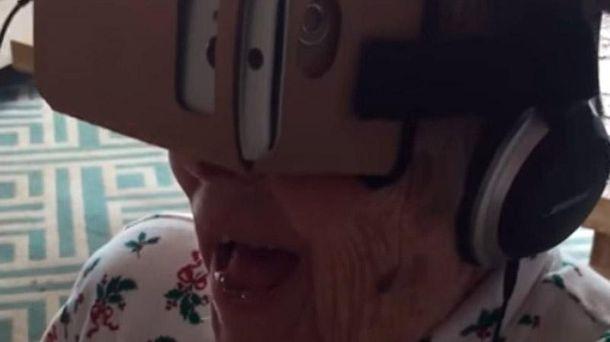 Бабушка и виртуальная реальность